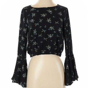 NWT Chelsea & Violet crop top with bell sleeves